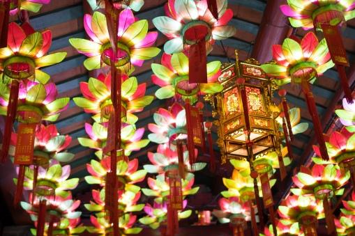 Jade Voice Palace, Ceiling Lotus Lights