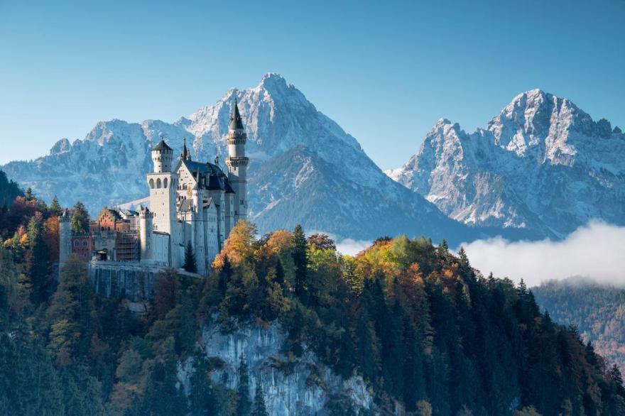 Neuschwanstein-castle-winter.adapt.1190.1